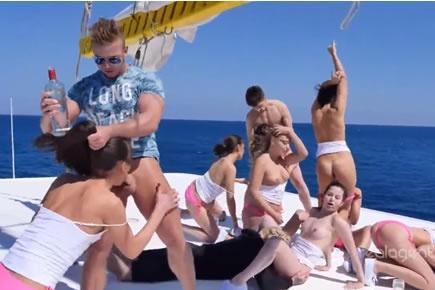 Gruppenszex - orgia a hajón